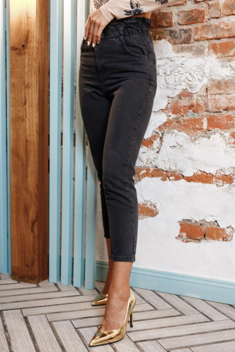 Женские джинсы МОМ Newourcer темного цвета 1076